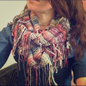 the giving scarf